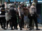 penangkapan-tersangka-kerusuhan-jakarta-22-mei-2019.jpg