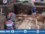 penggalian-struktur-batu-di-desa-pendem-kecamatan-junrejo-kota-batu.jpg
