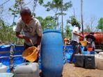 pengiriman-air-bersih-di-desa-cakil-kecamatan-dongko-kabupaten-trenggalek.jpg