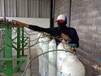 pengisian-tabung-oksigen-ukuran-6m-di-pabrik-produsen-gas-oksigen-pt-harpag-niaga-hutama.jpg