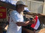 penjual-bensin-pasang-bendera-merah-putih.jpg