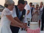 pernikahan-michelle-williams-dan-scott-di-yunani_20170909_203531.jpg