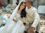 pernikahan-sepasang-pemulung-berlatar-sampah-viral.jpg