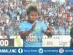 persela-lamongan-fahmi-al-ayyubi-merayakan-gol-usai-menjebol-gawang-madura-united_20180723_155718.jpg