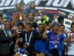 persib-bandung-menjadi-juara-indonesia-super-league-isl-2014-setelah-mengalahkan-persipura_20181101_123345.jpg