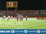 pertandingan-madura-united-menjamu-arema-fc-di-stadion-gelora-ratu-pamelingan-pamekasan_20170910_185203.jpg