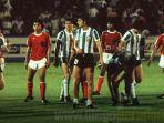 pertandingan-timnas-argentina-u-20-vs-timnas-indonesia-u-20-diego-maradona-cetak-2-gol.jpg