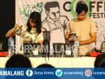 peserta-menyeduh-kopi-dalam-v60-competition-dalam-malang-coffe-festival-2-di-taman-krida-budaya_20170924_024929.jpg