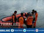 petugas-penyelamat-sedang-persiapan-mencari-korban-tenggelam.jpg