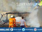 petugas-sedang-memadamkan-kebakaran-di-gudang-kayu-smpn-2-tulungagung-beberapa-waktu-lalu_20180919_084236.jpg