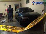 polisi-melakukan-olah-tkp-di-rumah-pasutri-di-tulungagung-tewas-diduga-dibunuh_20181108_231546.jpg