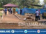 polisi-membongkar-makam-askuri-76-di-desa-serah-kecamatan-panceng-gresik.jpg