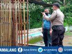 polisi-memeriksa-kandang-ayam-milik-prayitno-di-desa-karangsono-kecamatan-loceret-nganjuk.jpg