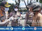 polisi-razia-orang-yang-tidak-mengenakan-masker-di-perbatasan-sidoarjo-surabaya.jpg