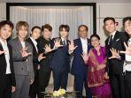 presiden-jokowi-berfoto-bersama-super-junior_20180911_122031.jpg