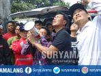 pria-panjat-tower-osep-di-jalan-leces-desa-kebonagung-kecamatan-pakisaji-kabupaten-malang_20181107_140645.jpg