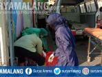 pria-tanpa-identitas-tewas-di-pinggir-jalan-jaksa-agung-gang-x-kelurahan-sukorame-gresik.jpg