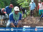 proses-pemakaman-dita-oepriyanto-dan-dua-anaknya-di-sidoarjo-kamis-2452018_20180524_151828.jpg