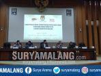 proses-rekapitulasi-surat-suara-pemilu-2019-di-kabupaten-malang-berakhir.jpg