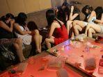 prostitusi-di-bilik-cinta-yang-ada-di-sebuah-warkop-ilustrasi.jpg