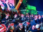 puluhan-seniman-cilik-dalam-orchestra-lalare-di-banyuwangi.jpg