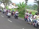 ratusan-siswa-konvoi-masuk-wilayah-kota-magetan-dan-taman-wisata-sarangan-magetan.jpg