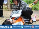 rekonstruksi-pembunuhan-di-pantai-ngliyep-kabupaten-malang_20180201_171740.jpg