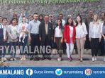 rektor-unisma-prof-dr-masykuri-msi-bersama-mahasiswa-uzbekistan-dan-para-dosen_20180806_181533.jpg