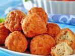 resep-bakso-ayam-goreng-mudah-dibuat-di-rumah-cocok-untuk-camilan-bersama-keluarga-di-akhir-pekan.jpg