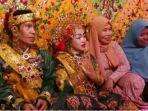 resepsi-pernikahan-ahmad-muslim-dan-fitriani-di-kediaman-fitriani-sinjai-utara-sulawesi-selatan_20180419_202527.jpg