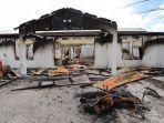 salah-satu-bangunan-yang-hangus-terbakar-saat-terjadi-kerusuhan-di-wamena.jpg