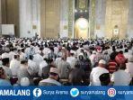 salat-idul-fitri-masjid-agung-surabaya_20180615_102754.jpg