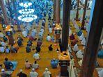 salat-tarawih-di-masjid-agung-jami-kota-malang-ramadan-2021.jpg