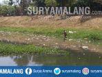 sampah-sepanjang-1-kilometer-km-memenuhi-sungai-ngrowo-tulungagung.jpg
