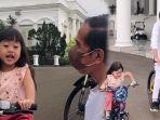 sedah-mirah-nasution-kiri-gowes-bareng-presiden-jokowi-kanan-di-istana-negara.jpg