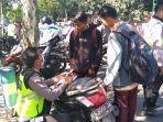 sejam-razia-polisi-jombang-jaring-250-pelanggar-mayoritas-pelajar-ada-yang-kabur-ke-kuburan.jpg