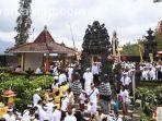 sembahyang-kuningan-di-pura-dali-agrahita-desa-pandesari-pujon.jpg