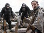 sinopsis-film-dawn-of-the-planet-of-apes-2.jpg