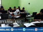 siswa-kelas-12-jurusan-multi-media-smkn-5-kota-malang-simulasi-praktik-menjelang-ujian-lsp_20180117_165844.jpg