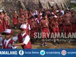 siswa-siswi-terlantar-karena-guru-mogok-kerja-di-gedangan-kabupaten-malang_20180927_161641.jpg