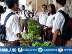 siswa-smak-st-albertus-kota-malang-menjual-sayuran-hidroponik-di-sekolah_20170613_195013.jpg