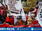 solidaritas-perjuangan-buruh-indonesia-malang-mengelar-aksi-demontrasi-di-kota-malang_20161101_195859.jpg