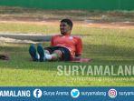 stoper-arema-fc-arthur-cunha-latihan-di-stadion-gajayana-kota-malang_20180828_113233.jpg