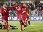 striker-almere-city-ezra-walian_20171209_183359.jpg