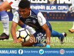 striker-arema-fc-dedik-setiawan-vs-persela-lamongan-di-stadion-kanjuruhan-kabupaten-malang_20180707_164105.jpg