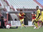 striker-persebaya-surabaya-samsul-arif-memiliki-rekor-posiif-di-liga-indonesia-era-liga-1.jpg