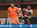 striker-persija-jakarta-marko-simic-saat-bermain-di-kandang-madura-united-minggu-14102018_20181015_131157.jpg