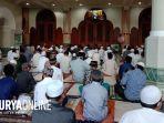 suasana-kegiatan-shalat-ied-di-masjid-agung-jami.jpg