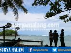 suasana-pantai-kondang-merak-di-kabupaten-malang_20170411_094200.jpg