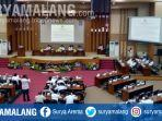 suasana-paripurna-dprd-kabupaten-malang.jpg